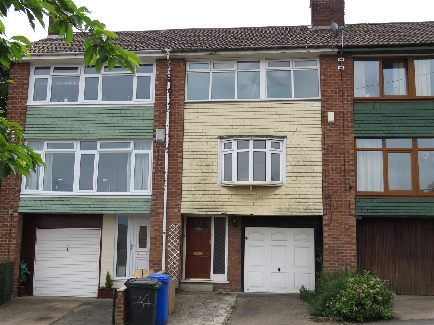 standon cres 37 ext.jpg
